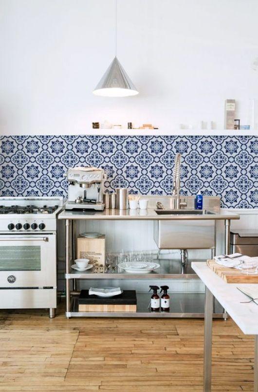 baby s got back spanish apt moroccan kitchen kitchen tiles rh pinterest com