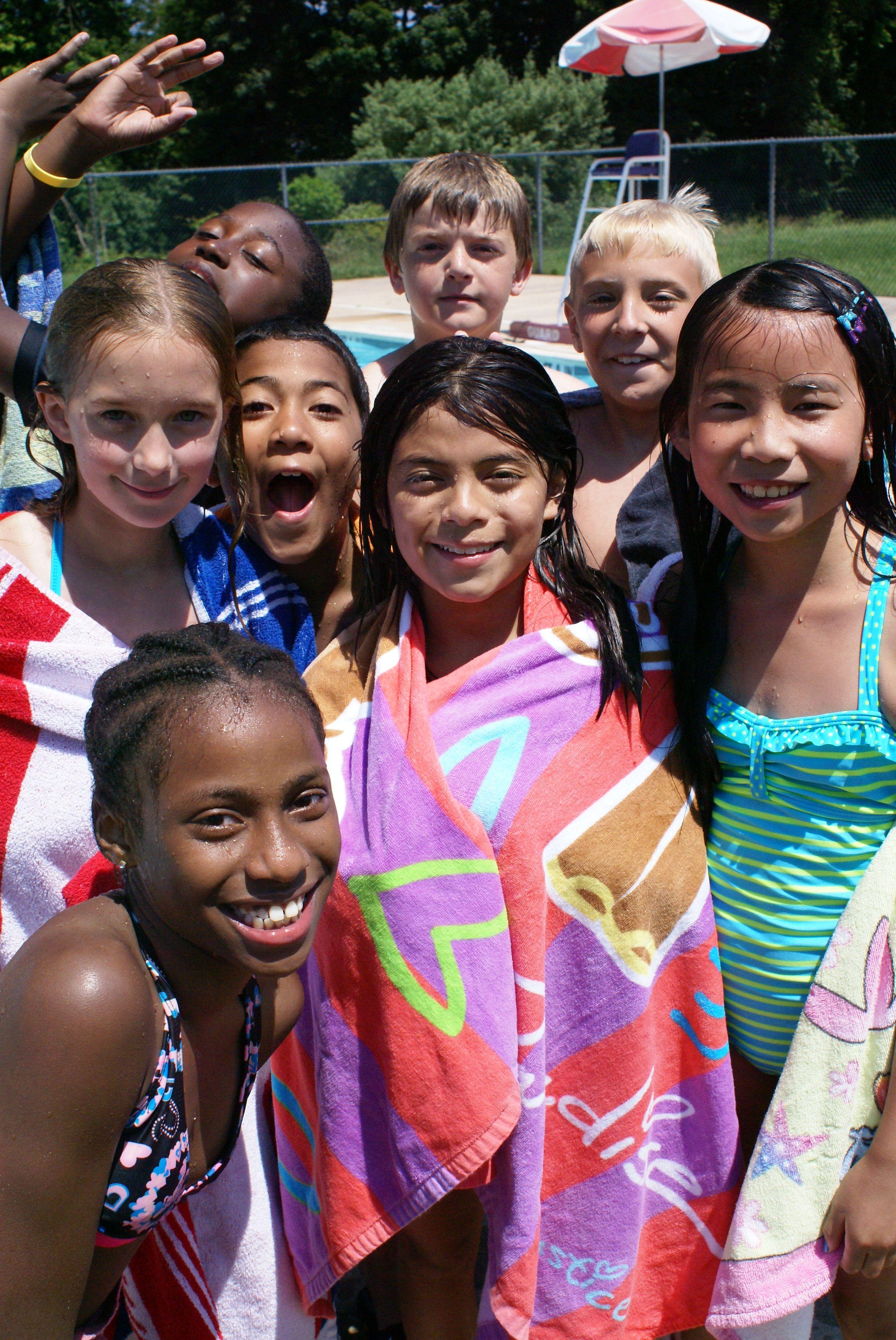Camp garrett campers at the pool wwwgarrettwilliamson
