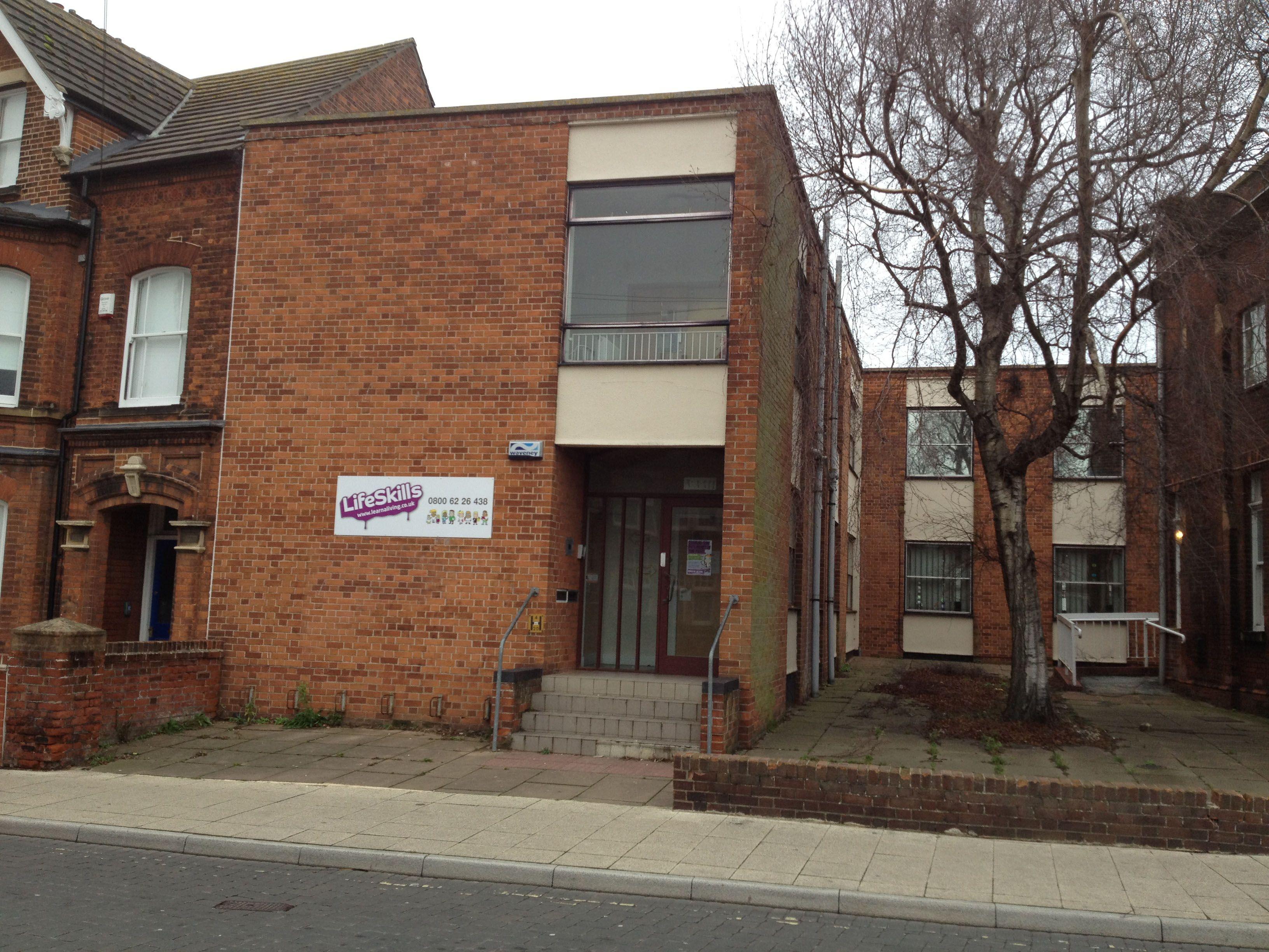 Lifeskills Lowestoft 28 Gordon Road Lowestoft Suffolk Nr32 1nl Tel