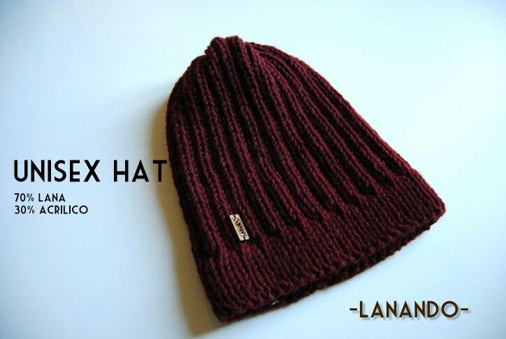 Cappello unisex a coste realizzato a mano con lana 70% merinos 30% acrilico! Unisex hat#handmade#italy#lanando