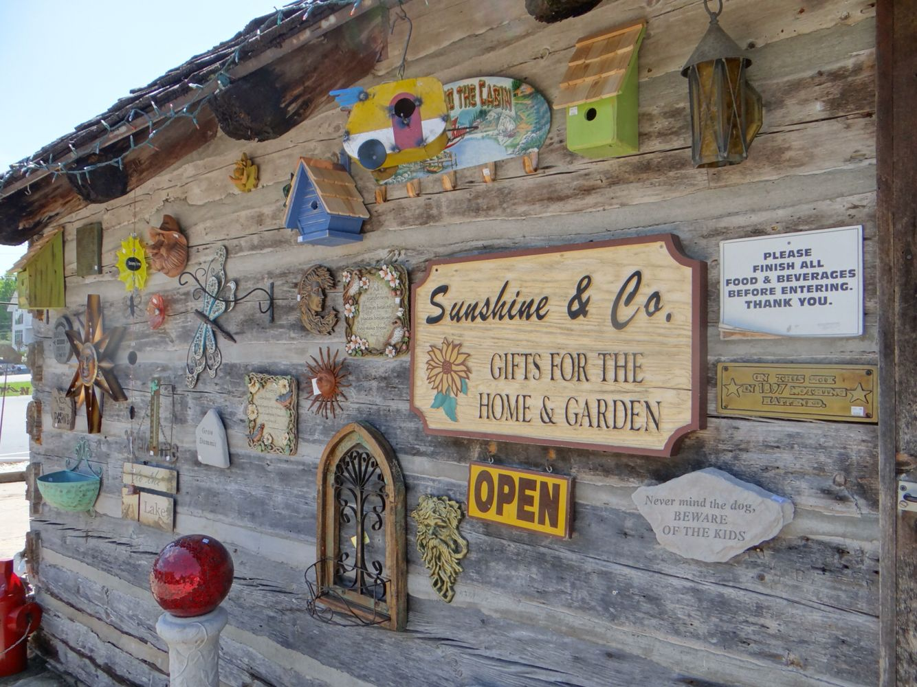 Sunshine And Company Garden And Gift Shop In Founder S Square Fish Creek Door County Wisconsin Gift Shop Fish Creek Sunshine