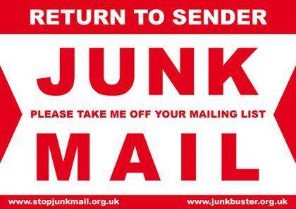 Vermeidung von unadressierter Junk Mail in England, Nordirland, Wales und Schottland durch spezielle Aufkleber: http://www.adviceguide.org.uk/nireland/consumer_ni/consumer_post_e/consumer_problems_with_post_e/consumer_problems_with_unwanted_or_junk_mail_e/how_can_you_stop_un-addressed_junk_mail.htm