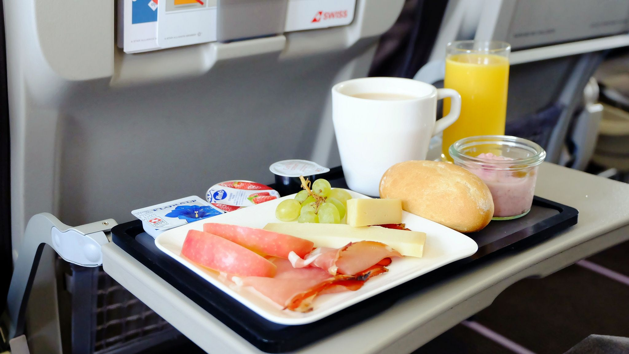 Business Class Inflight Meal Swiss in 2020 Meals