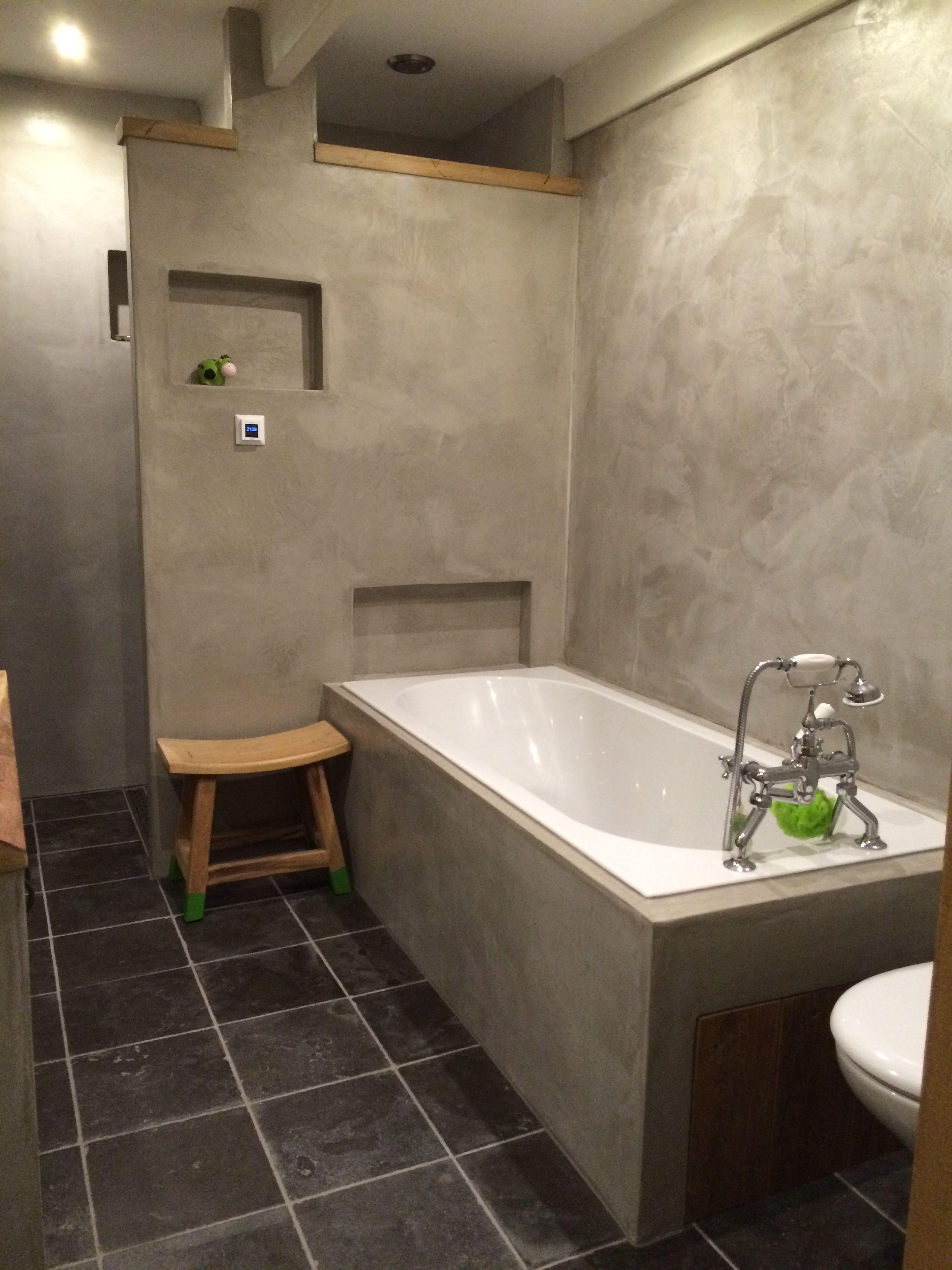 badkamer in verbau betonstuc kleur 01 32 steenkool badkamer
