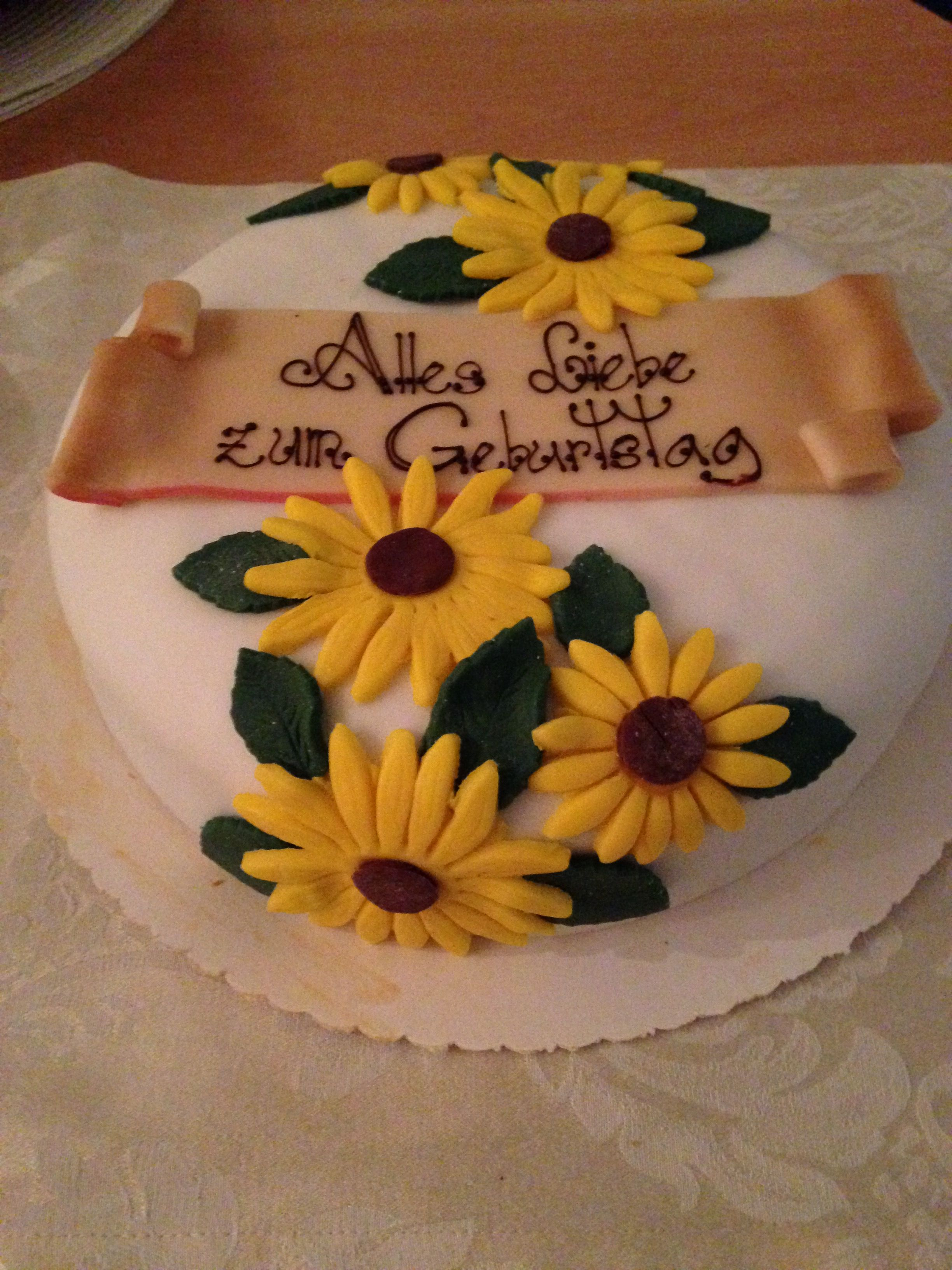 Birthday cake with sunflowers (With images) | Cake ...