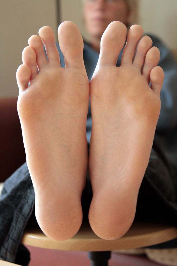 Big feet fetish