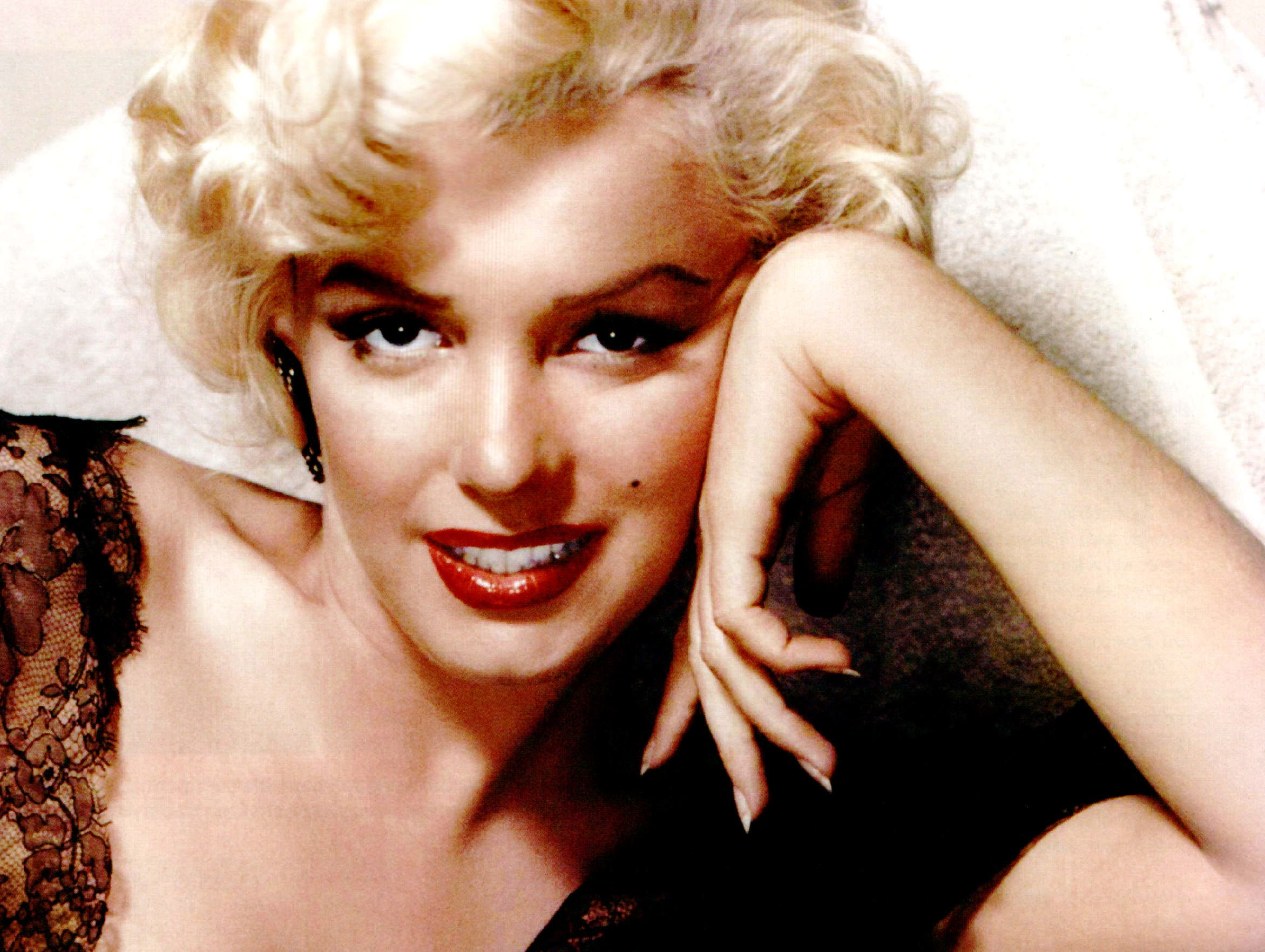 Marilyn Monroe Pharrell Download Mp3