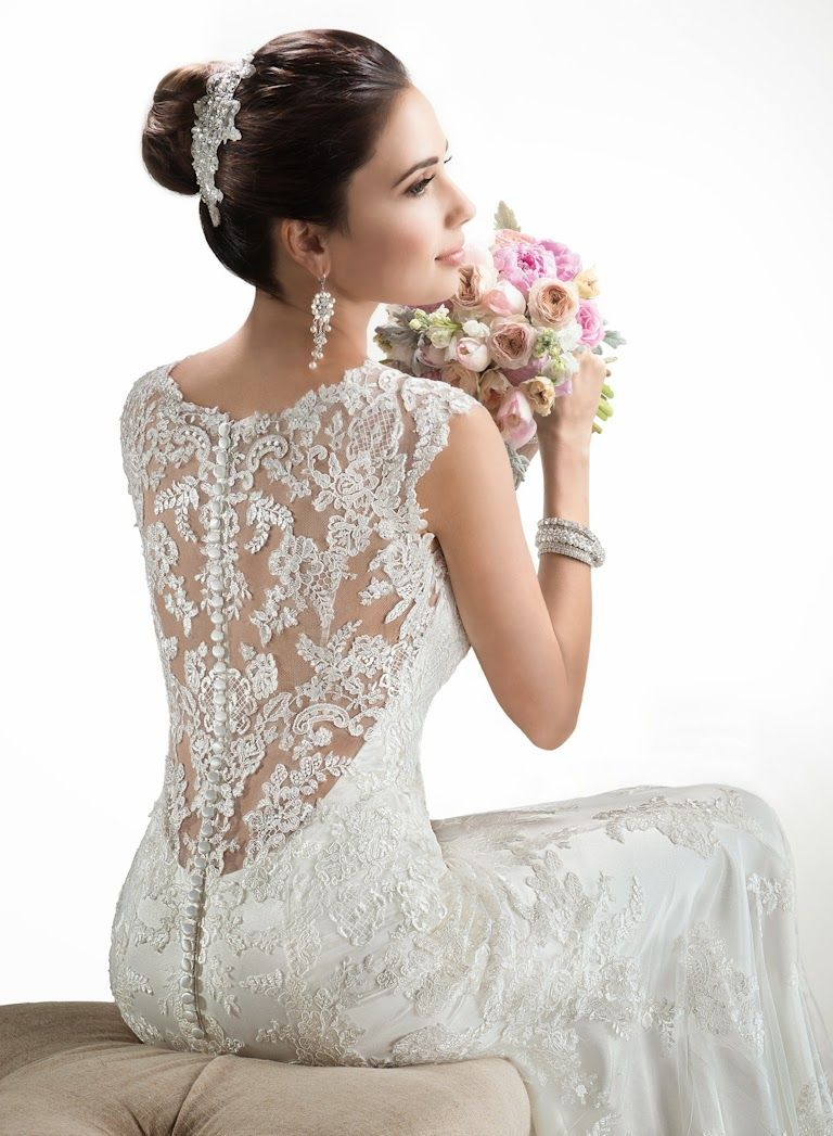Brautkleid mit schönem Rücken figurbetont. Hochzeitskleid einem ...