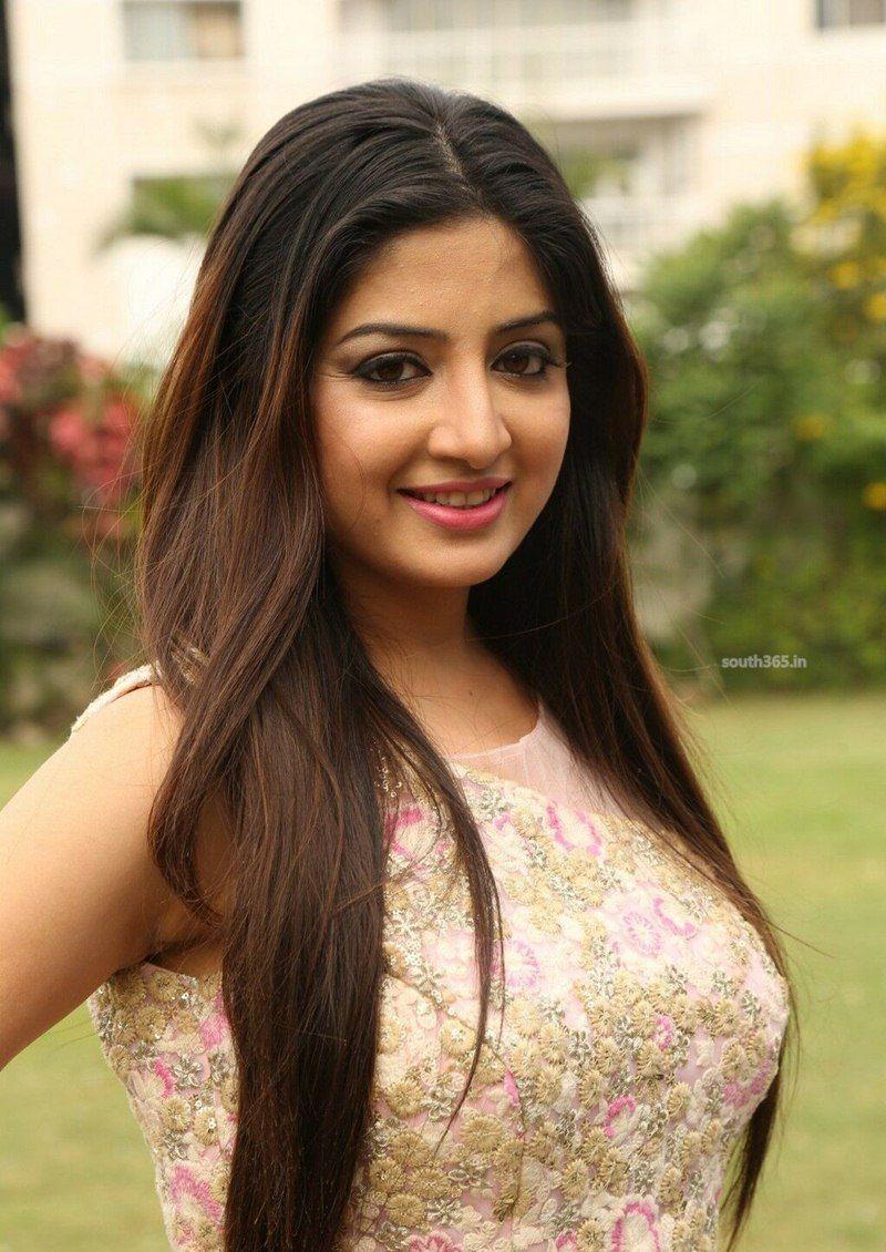 south actress poonam kaur smoking stills at diwali mela (6) at