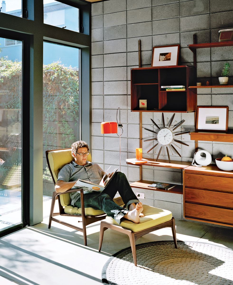 The Residents Of A Prefab House In Emeryville, California, Outfitted Their  Interiors With A Fleet Of Vintage Furniture Finds. Photo By: Jake Stangel  Photo ...