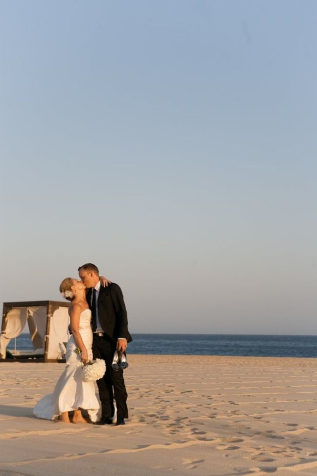 This Beach Wedding In Cabo Will Make You Want To Go On A