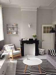 jaren dertig interieur grijs beige op muur met wit