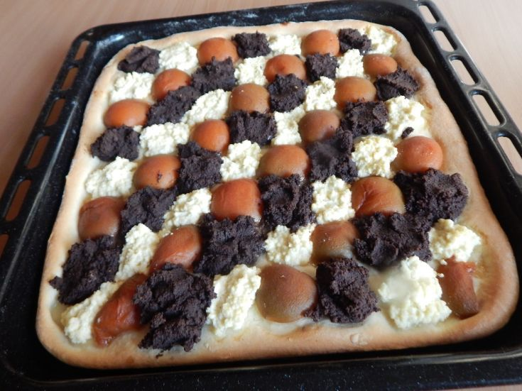 Fotorecept: Kysnutý koláč s makom, marhuľami a tvarohom