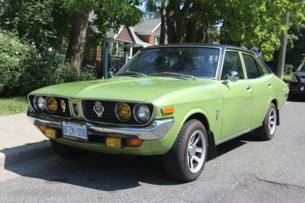 SixCylinder/4Speed 1972 Toyota Corona Mark II Sedan