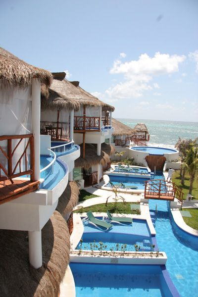 each room has a pool and an ocean view beachfront villas at the rh pinterest com