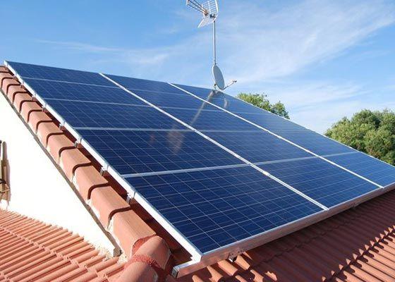 El Autoconsumo Electrico Calma El Desanimo Del Sector Fotovoltaico On Http Quenergia Com Energia Renovable Energia Solar Energia
