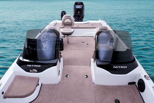 Nitro Zv 21 Look Aft Into The Cockpit Between The Two Casting Platforms An Optional Walkthrough Windshield Can Be Orde Nitro Multi Species Boat Fishing Chair