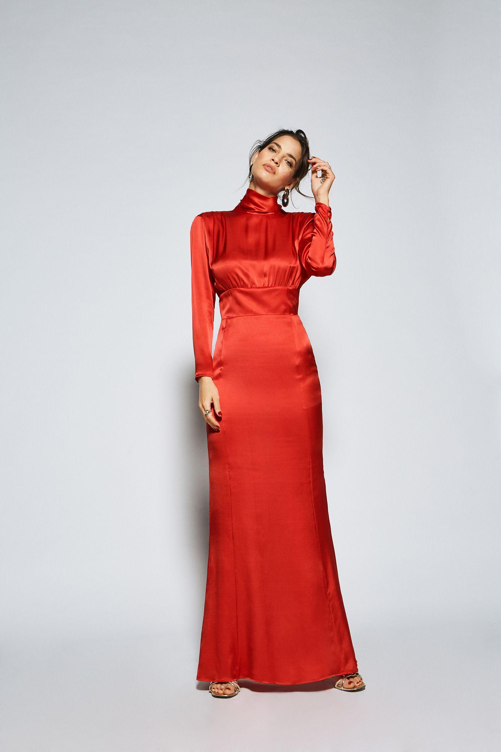 ae24fb7a70 Luce este hermoso vestido estilo largo de seda satinado en tu próximo  evento y fiesta.