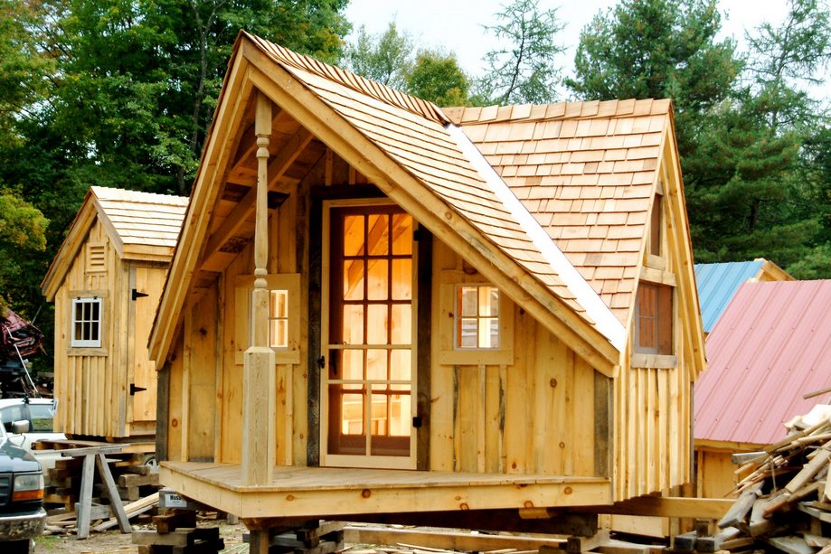 Free Tiny House Plans With All The Walls And Roof Are Made Of Wood And Elegant Artistic Suitable For You Who Tiny House Cabin Tiny Guest House Tiny House Plans