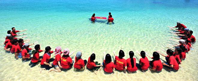 Nhà Xanh hướng về Biển Đông!