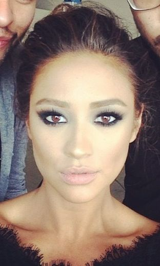 Shay Mitchell. That face.