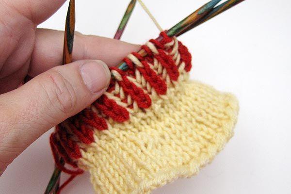 Socken stricken * Sockenkurs #5 * Patentmuster zweifarbig in Runden ...