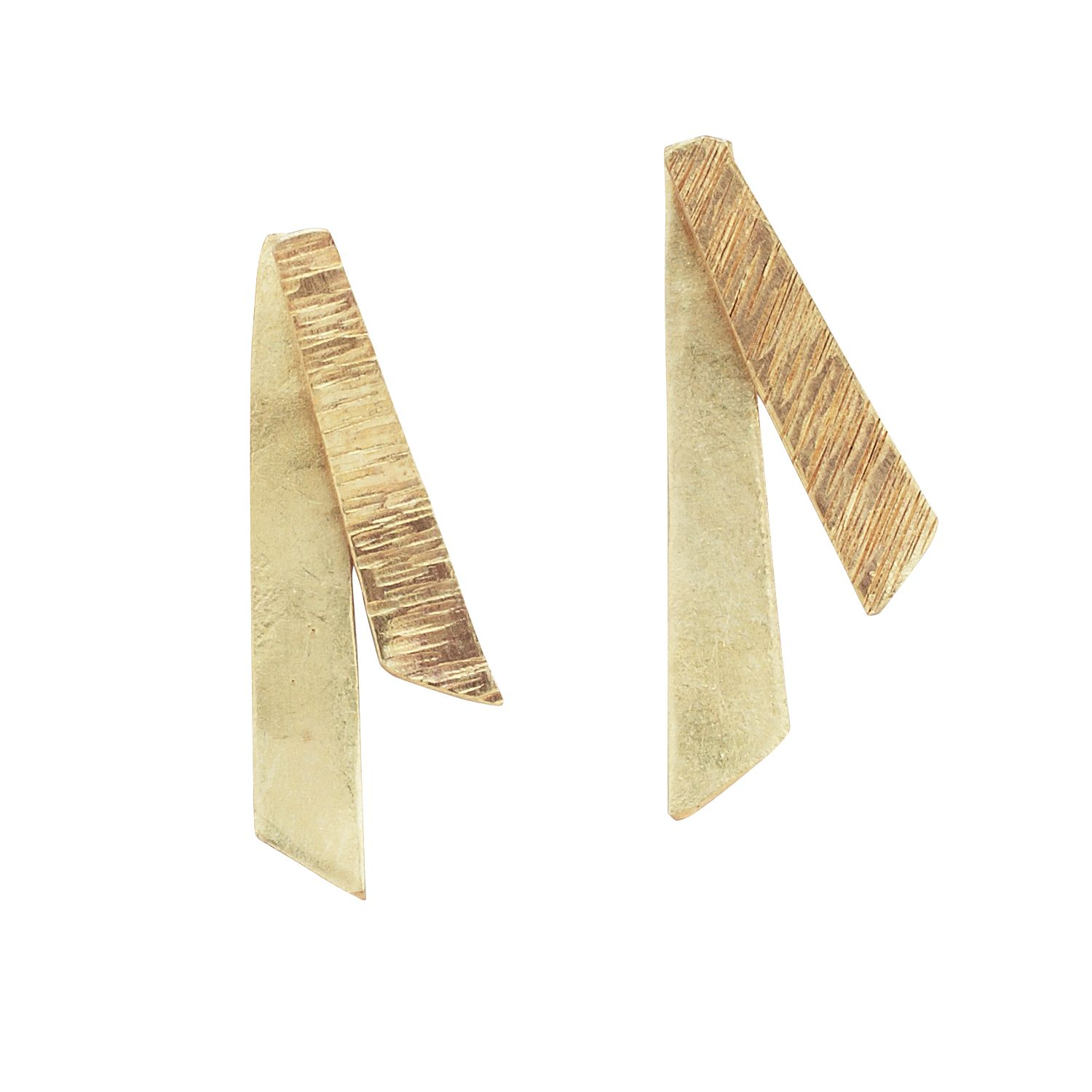 This modern design of these post earrings is simple, sleek and ...