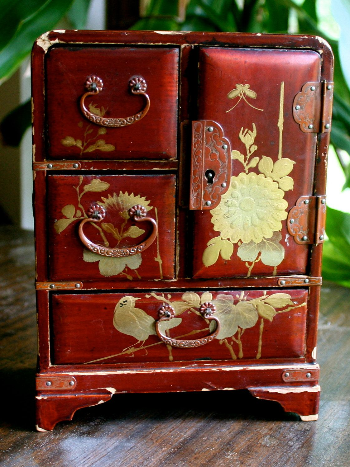 Vintage Wooden Japanese Jewelry Box with Gold Detail Japonsk
