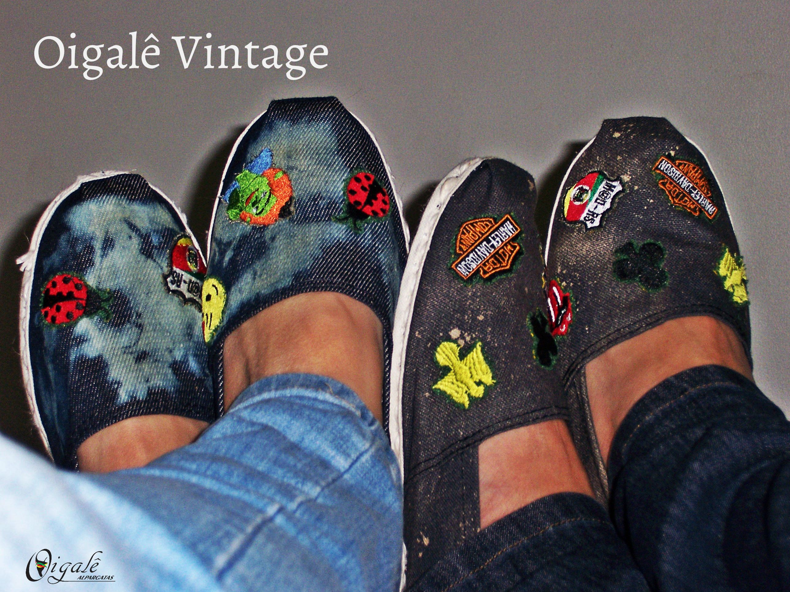 Alpargatas bordadas de forma artesanal!!! Bjos coloridos e brilhantes