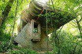 9 Hobbit Homes Worthy of Middle-earth: A Forest Home Fit For Frodo