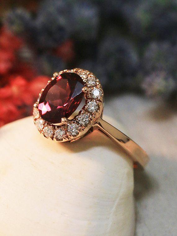 Rodolite e anello di diamanti 9 x 7 lampone di stonesandgold