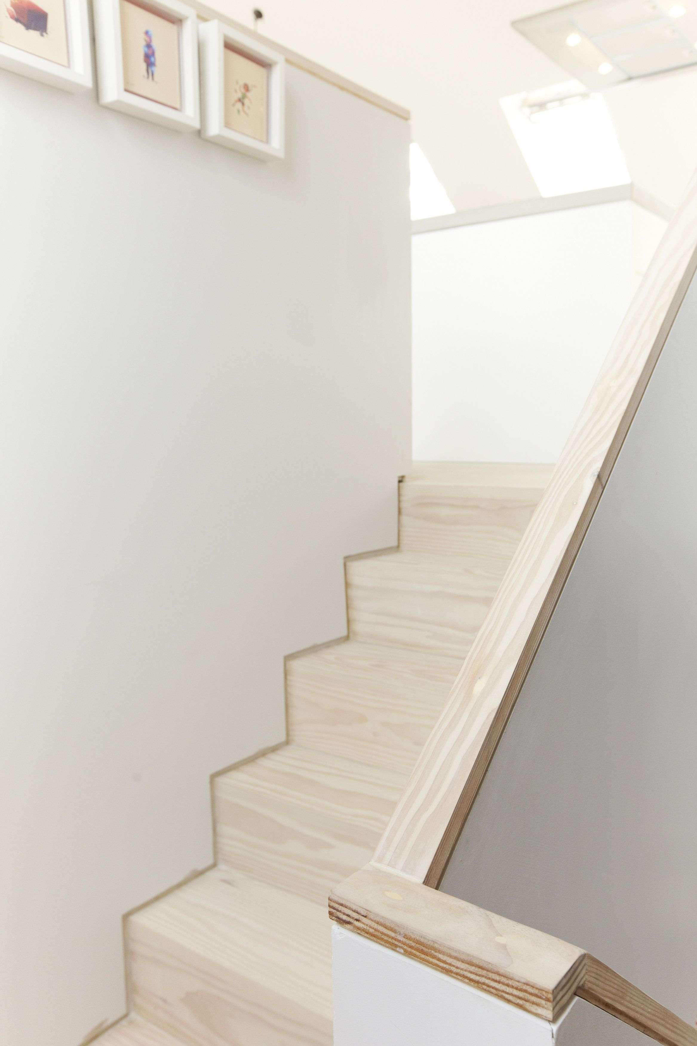 Shadow Gap Staircase Lighting: Stairwell With Shadow Gap Detail In Douglas Fir