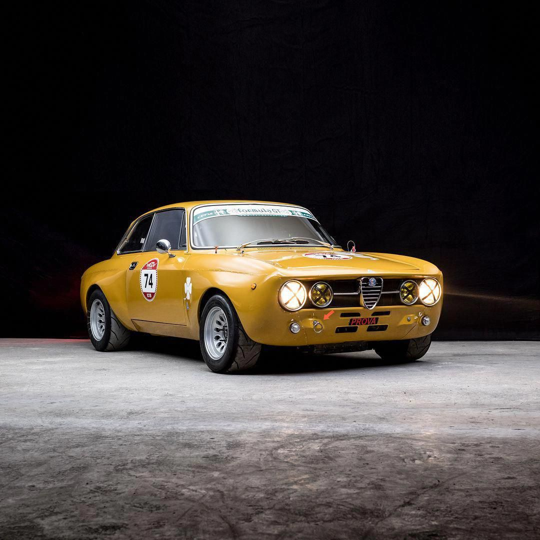 This Beautifully Built And Fully Spec'd Out 1969 Alfa