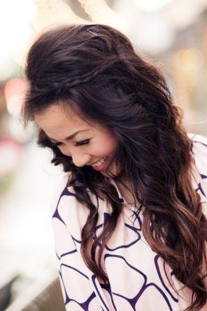 Pin By Nicole Augustus On һѧiya Easy Hairstyles For Long Hair Long Hair Styles Hair Styles