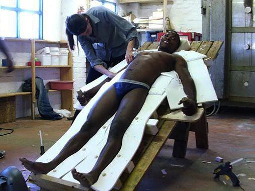 viv helping with full body cast arte rog233rio terra