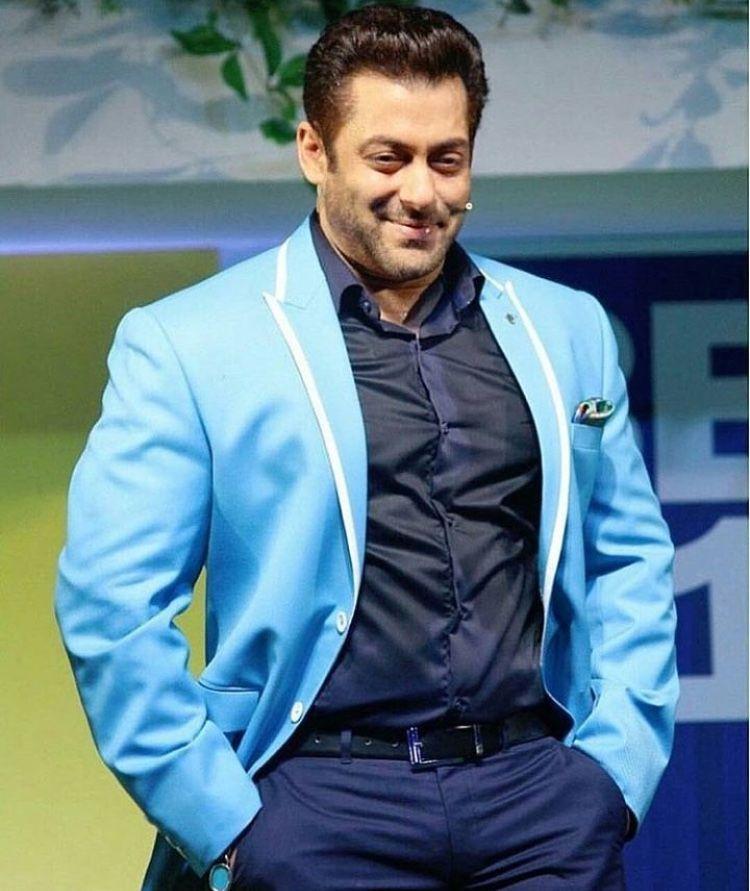 e657bf0b37d Salman khan on the  first day first show  for big boss 11 Salman Khan