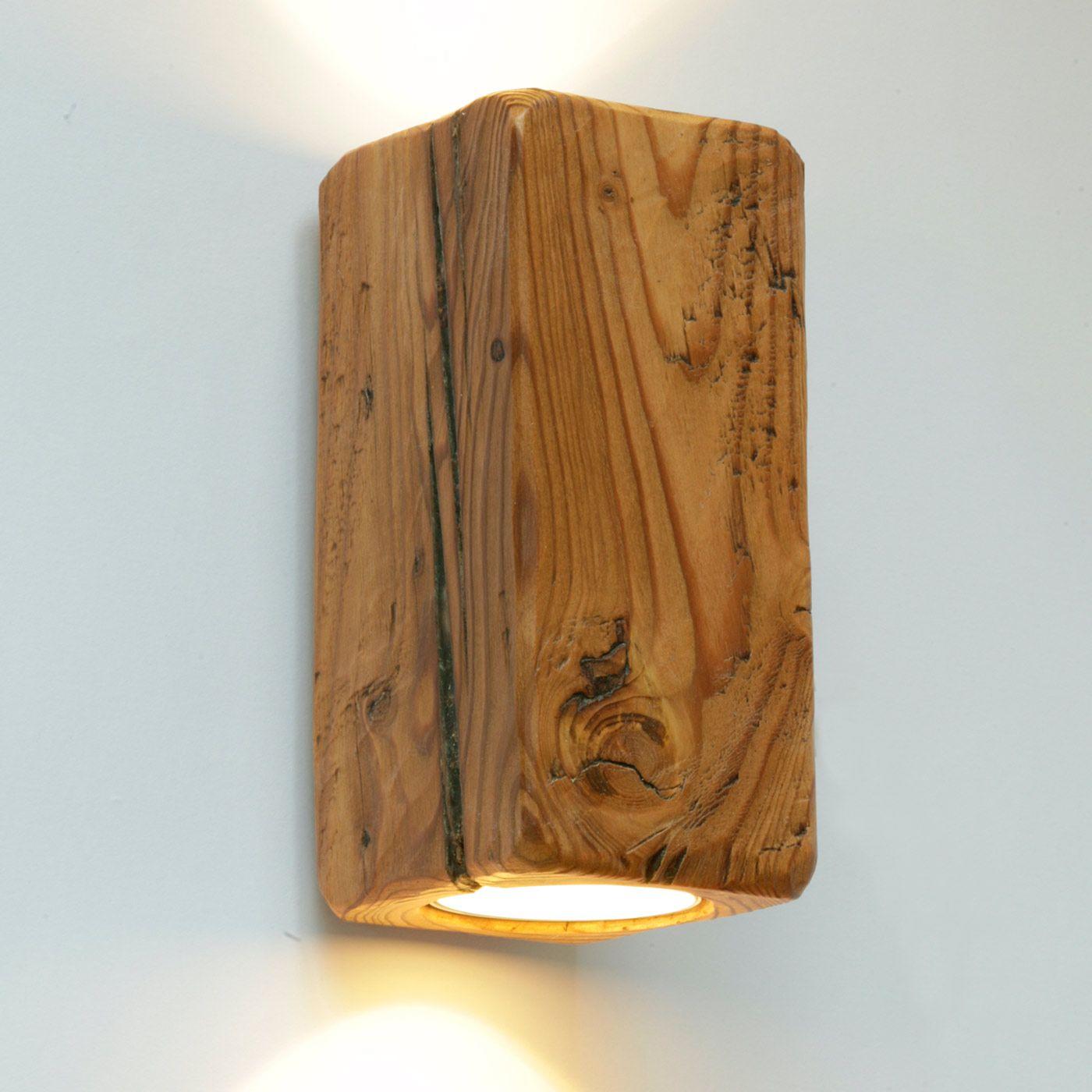 Up-and-Down-Strahler-Wandleuchte aus antikem Massivholz