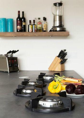 Losse gaspitten vrij in het aanrechtblad zijn een echte keukentrend. Je leest meer over deze en andere keukentrends op Woonblog!