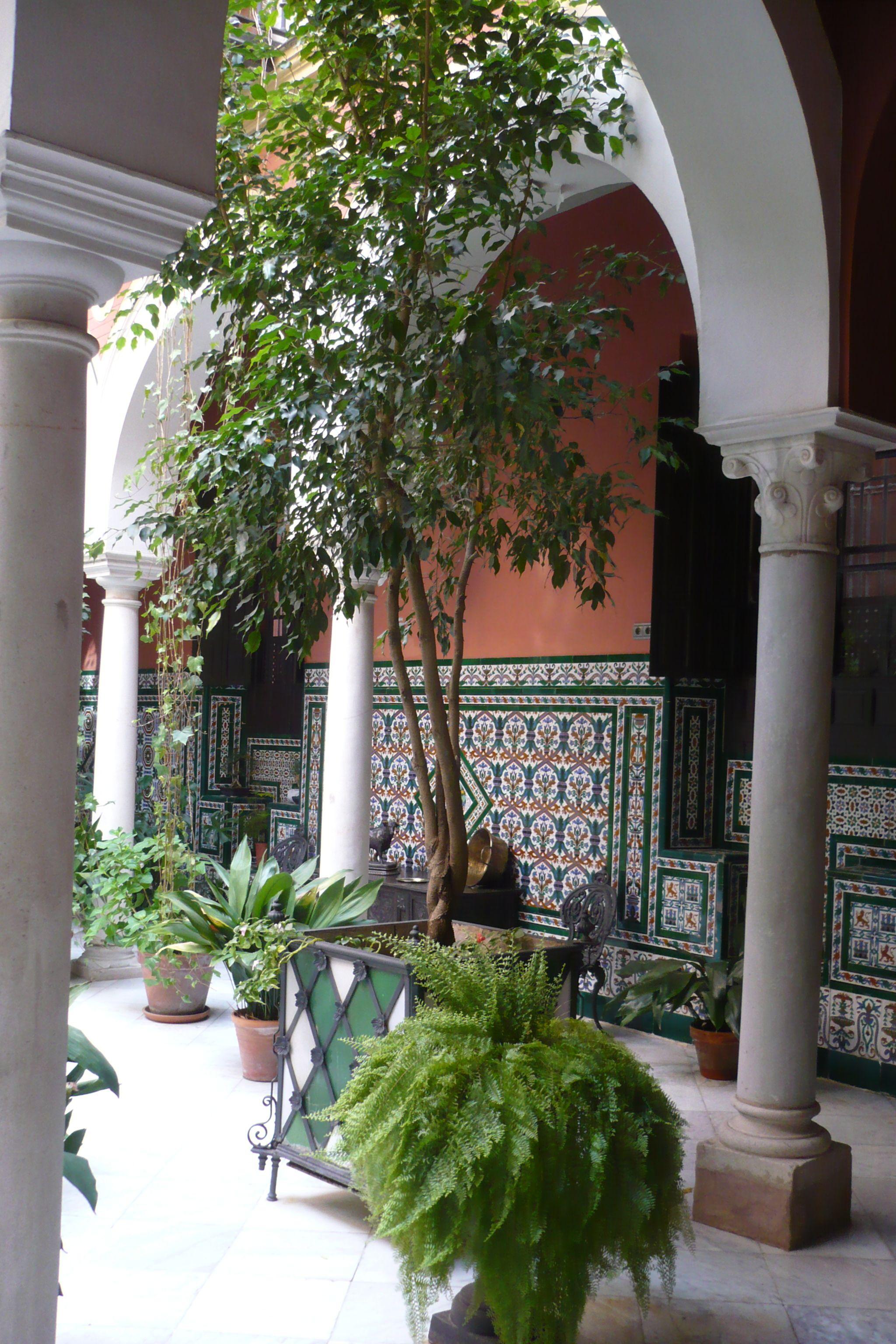 Patios los patios de casas andaluzas un remanso de paz for Fotos de fachadas de casas andaluzas