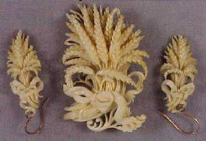 Victorian Carved Ivory Wheat Sheaf Brooch Pin w. Earrings Set