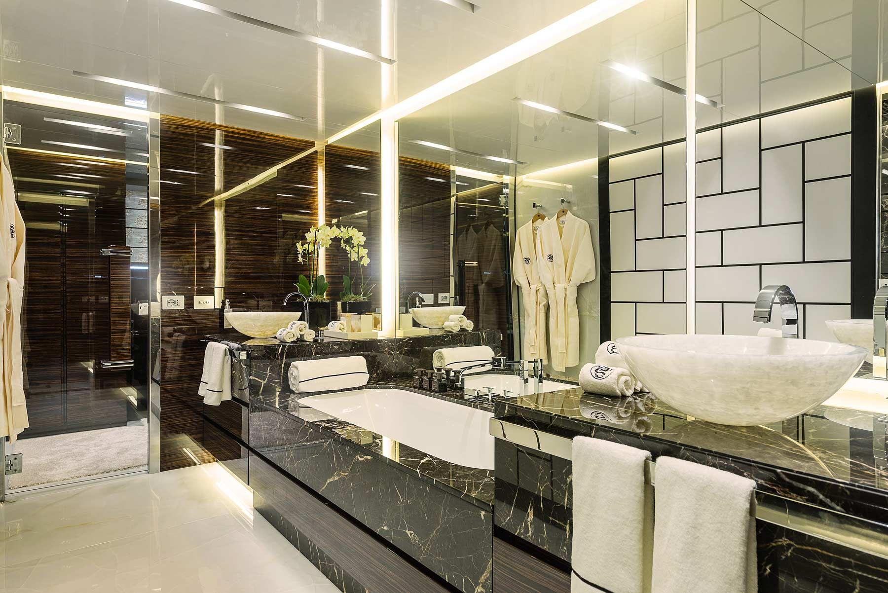 baño de lujo con mármol negro | Amor | Pinterest | Remodelar el baño ...
