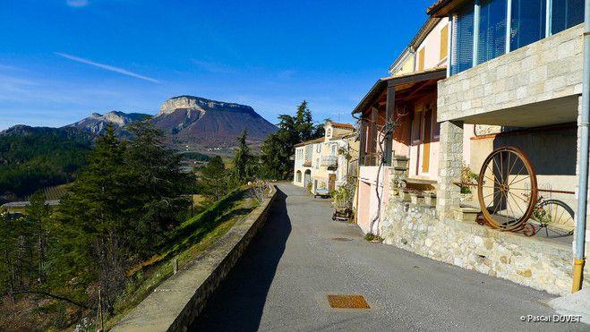 Village perché de Ventavon dans les Hautes Alpes 05