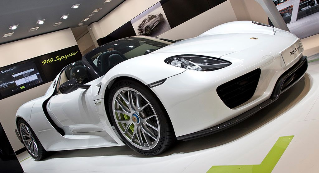 918 spyder white. perfect match soccer star zlatan ibrahimovic and porsche 918 spyder cars dream white