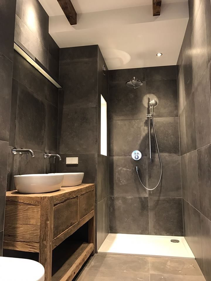 Modern ruim douche hout donkere kleuren also extraordinary small bathroom designs for space bathrooms rh pinterest