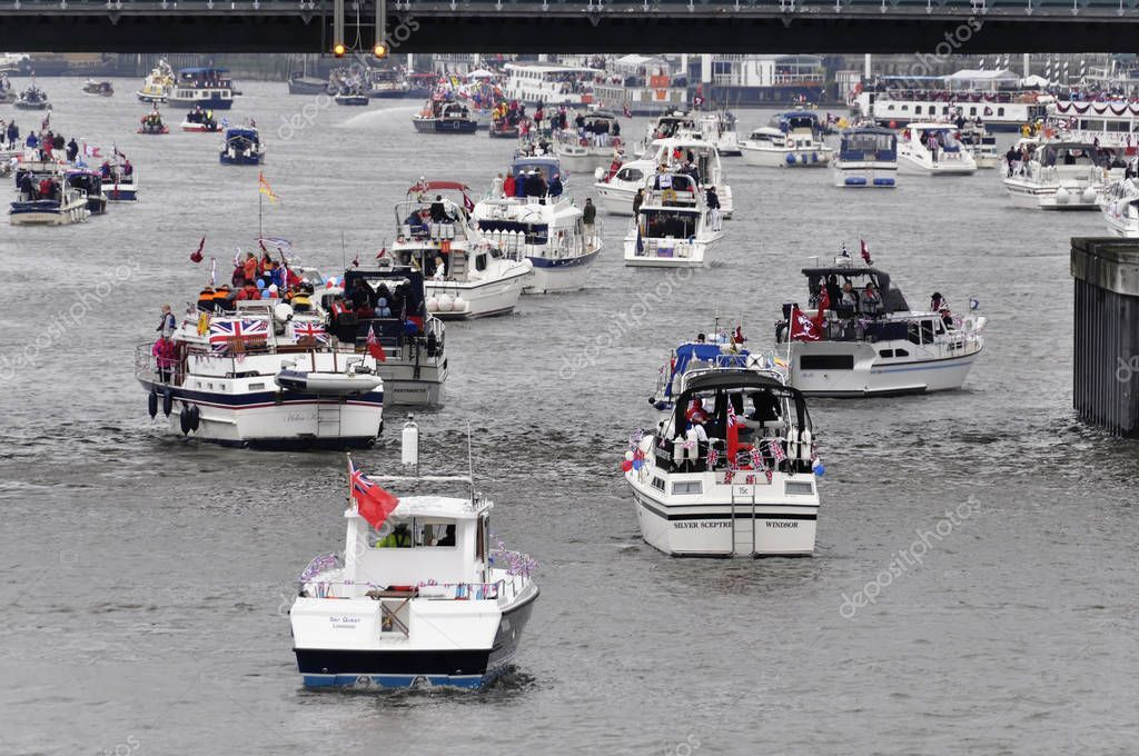 London Sunday June 2012 Hundred Boats Muster River Thames Putney - Stock ,