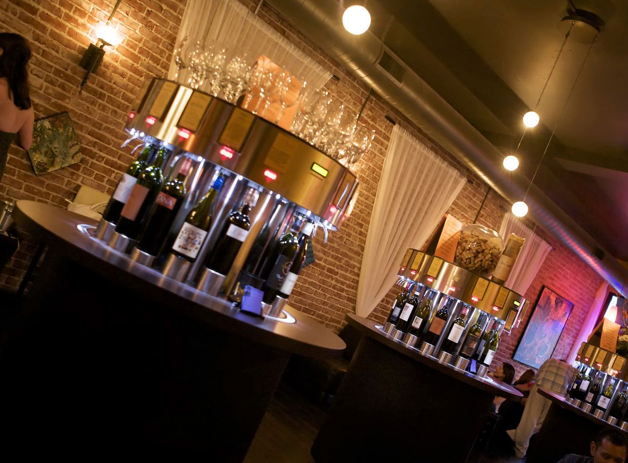 Using the latest Italian technology, Splash Wine Lounge offers 72 ...