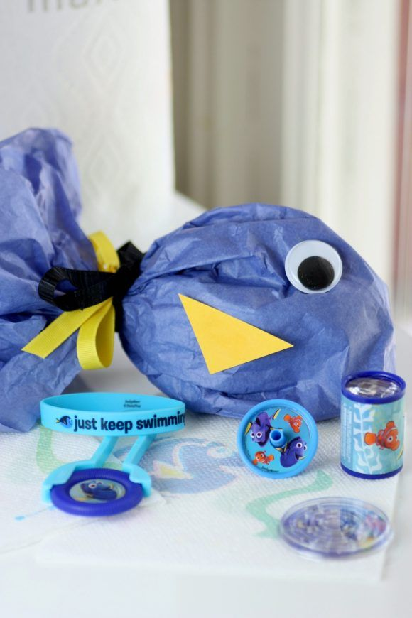Finding Dory DIY birthday party favor bag from Catch My Party & Over 20 of the best Finding Dory birthday party ideas   Finding dory ...