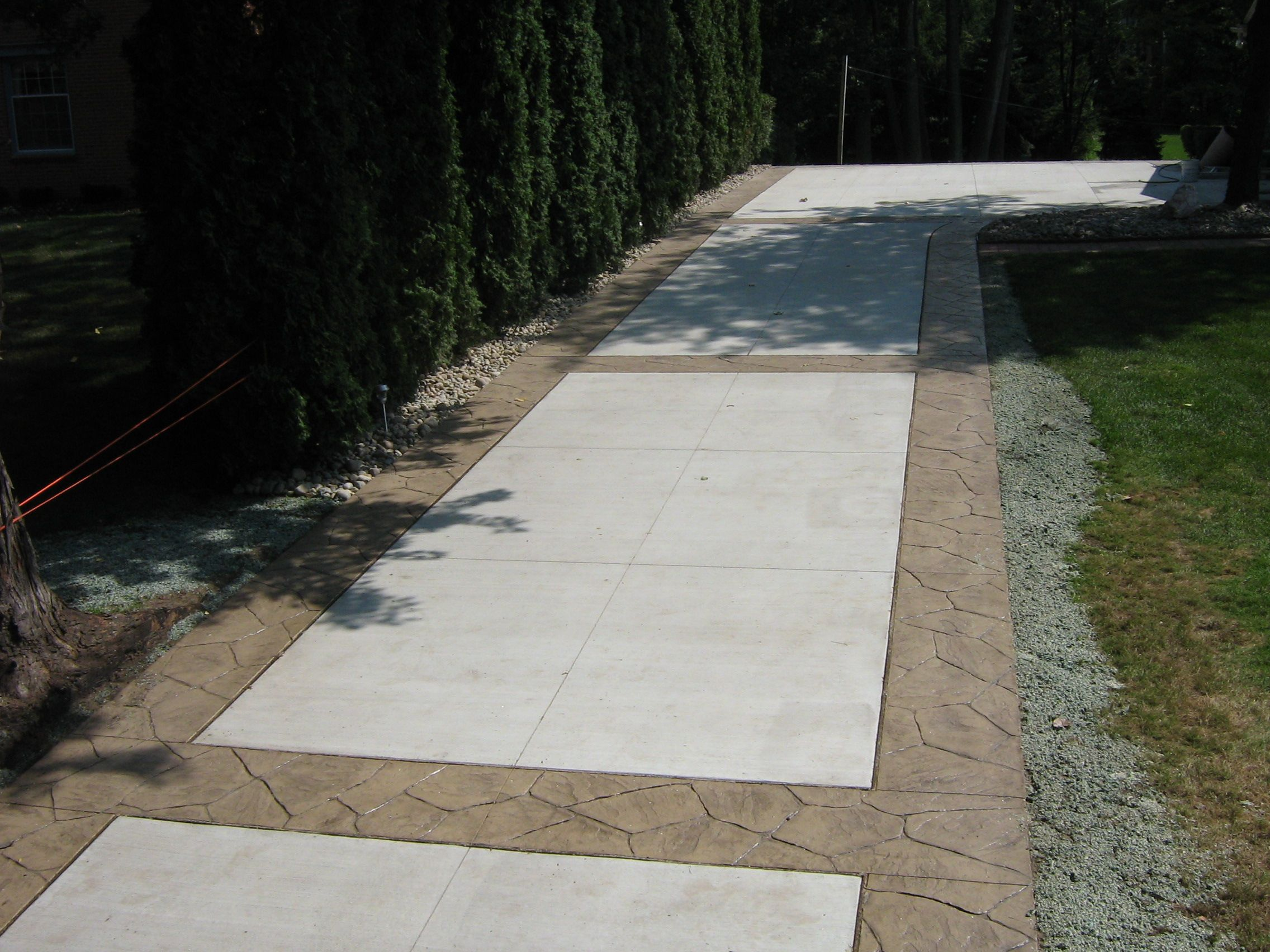 Driveway With Stamped Concrete Borders Driveways Concrete Patio