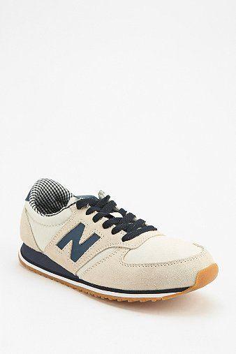 Trendy Women's Sneakers : New Balance 420 Classic Running