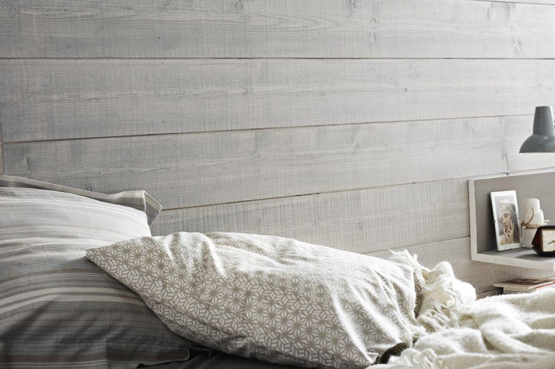 Une Chambre épurée Grâce à Son Mur Effet Bois Couleur Plume